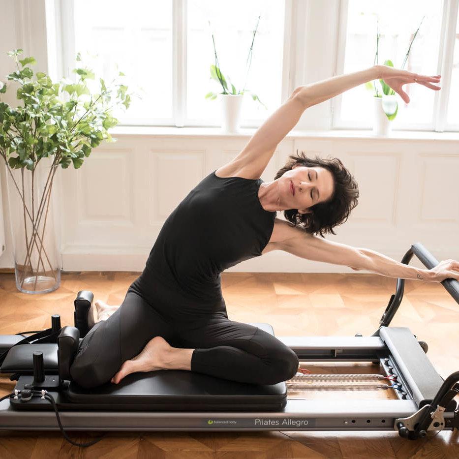 gudrun kohla_pilates-yoga-vienna_reformer_mermaid_1