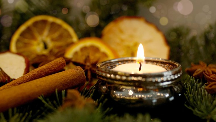 2018-12-02 bis 23_Adventsonntags-Special: Candlelight Yoga
